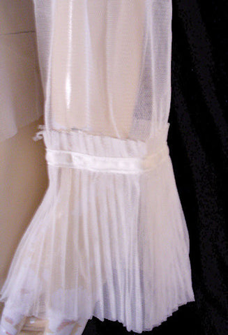 LOVELY FEMININE DELICATES SHEER IVORY OFF WHITE MESH PLEATED BED JACKET WITH SATIN APPLIQUE - SIZE EXTRA LARGE - NEW WITH TAG