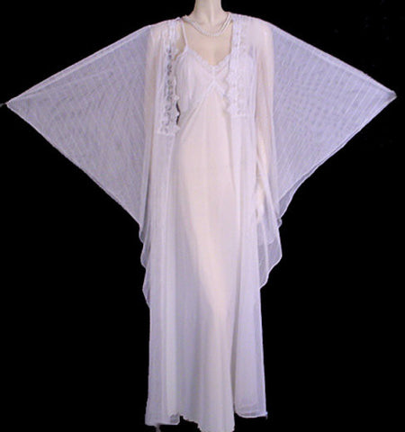 GORGEOUS METALLIC SILVER & WHITE BRIDAL TROUSSEAU PEIGNOIR & NIGHTGOWN SET WITH HUGE 8-1/3 FOOT ANGEL SLEEVES