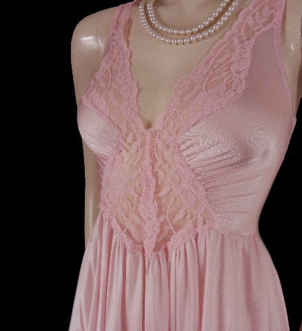 VINTAGE OLGA SPANDEX LACE NIGHTGOWN WITH GRAND SWEEP OF NEARLY 15-1/2 FEET IN PARISIAN PINK