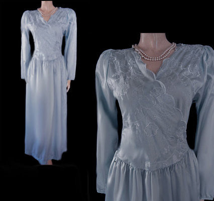 VINTAGE WOODWARD SATIN FLORAL EMBROIDERED SCALLOPED NIGHTGOWN IN TWILIGHT