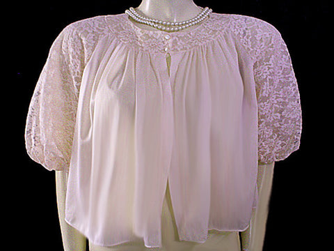 VERY FEMININE VINTAGE BED JACKET WITH LARGE LACE PUFFED SLEEVES IN BLUSH PINK