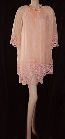 VINTAGE MISS ELAINE LACEY DOUBLE NYLON PEIGNOIR & NIGHTGOWN WITH 3 LACE TIERS IN VICTORIAN PEACH
