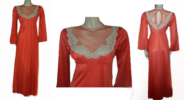 BEAUTIFUL VINTAGE '70s GILEAD ECRU LACE ILLUSION NIGHTGOWN IN MANDARIN