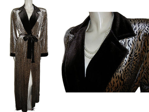 NEW - LUXURIOUS DIAMOND TEA WRAP-STYLE SPANDEX VELOUR ROBE IN A SAND & BITTERSWEET CHOCOLATE CHEETAH PRINT - SIZE LARGE - WOULD MAKE A WONDERFUL GIFT