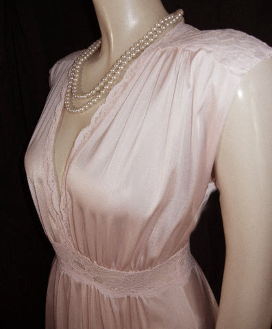 VINTAGE OLGA GRECIAN GODDESS SPANDEX LACE NIGHTGOWN IN ROSE PETAL