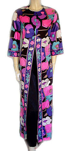 VINTAGE VAN RAALTE 2-PIECE HOSTESS GOWN WITH SATINY PANTS IN FABULOUS PUCCI COLORS