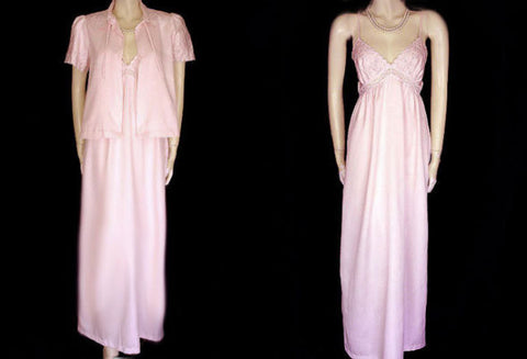 SOLD - VINTAGE BERT YELIN FOR IRIS PINK & BLUE EMBROIDERED NIGHTGOWN & PEIGNOIR SET