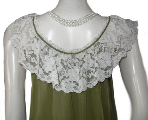 VINTAGE ROVEL OF CALIFORNIA DOUBLE NYLON LACE PEIGNOIR & NIGHTGOWN SET IN SPANISH MOSS