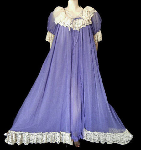 GORGEOUS RARE, RARE VINTAGE ROVEL DOUBLE NYLON DRIPPING IN LUSCIOUS ECRU LACE NIGHTGOWN & PEIGNOIR IN TANZANITE