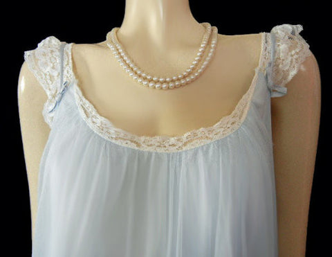 INTIME DOUBLE NYLON NIGHTGOWN & PEIGNOIR DRIPPING IN LUSCIOUS WHITE LACE IN DREAMLAND BLUE - SIZE LARGE