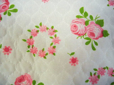VINTAGE QUILTED WREATHS OF SUMMER ROSES BED JACKET