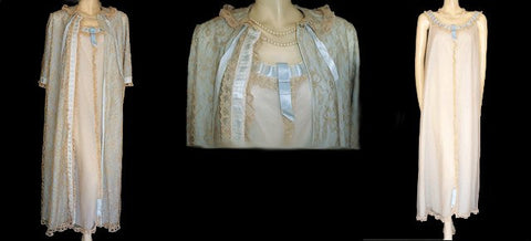 VINTAGE VERY FANCY MATEJ FOR ODETTE BARSA BLUE & NUDE LACE PEIGNOIR & NIGHTGOWN SET