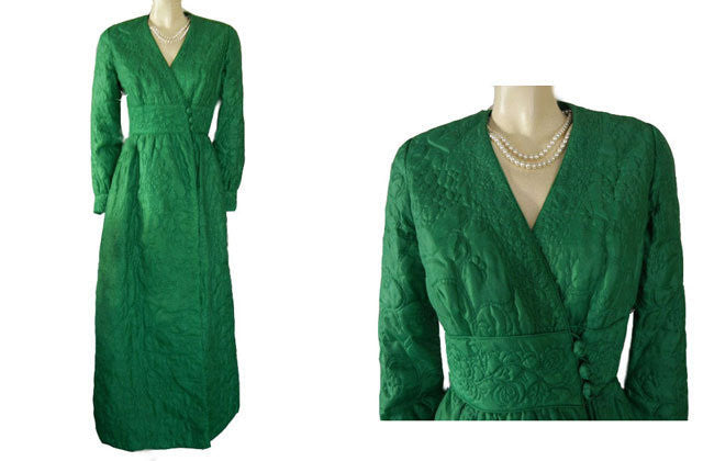 FROM MY OWN PERSONAL COLLECTION - VINTAGE BARBARA LEE QUILTED ROBE MADE IN HONG KONG  ADORNED WITH ROSES, VINES & LEAVES IN LILY PAD