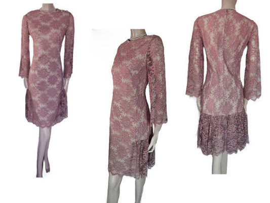 VINTAGE '50s CAROL CRAIG LACE FLOUNCE COCKTAIL DRESS WITH SPARKLING RHINESTONE BUTTONS & METAL ZIPPER IN ROSE DUST