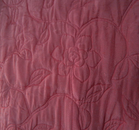 VINTAGE DYNASTY FROM JOSEPH MAGNIN QUILTED SILK ROBE FROM HONG KONG ADORNED WITH ROSES IN CANDY KISSES