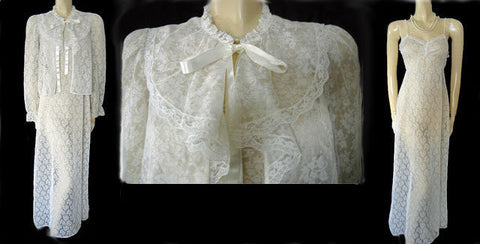 VINTAGE DONNA RICHARDS FOR GILLIGAN & O'MALLEY BRIDAL TROUSSEAU LACEY PEIGNOIR & NIGHTGOWN SET IN BRIDAL VEIL
