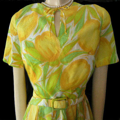 VINTAGE 50s / '60s  YELLOW & GREEN TULIPS NOVELTY DRESS ADORNED WITH METAL ZIPPER