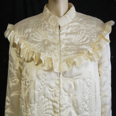 VINTAGE NEIMAN MARCUS VERY FEMININE SATINY RUFFLED QUILTED ROBE MADE IN HONG KONG IN CREAM SODA