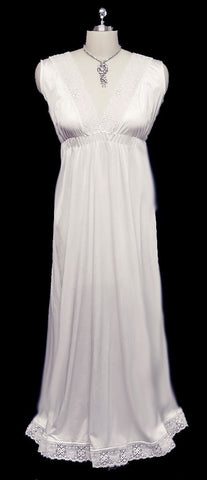 VINTAGE ARISTOCRAFT BY SUPERIOR LACE BRIDAL TROUSSEAU EMPIRE STYLE NIGHTGOWN