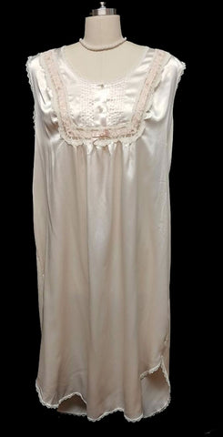 VINTAGE BARBIZON LACE & SATIN RIBBON ROSETTES PLEATED NIGHTGOWN IN BLUSH - EXTRA LARGE SIZE