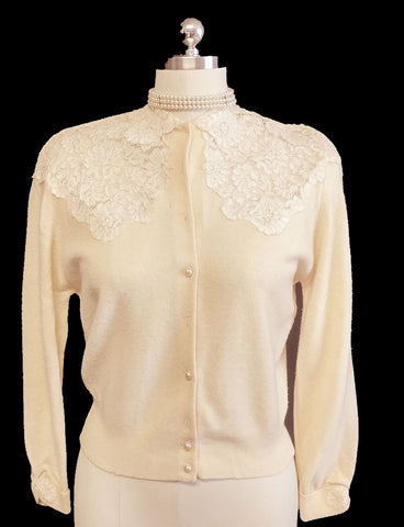 BEAUTIFUL AND UNIQUE VINTAGE 1950 VERY FEMININE SHEER CHANTILLY LACE SWEATER