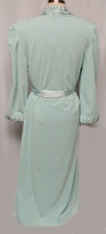 NEW WITH TAG -VINTAGE MADE IN ITALY 1980s SATIN & VELOUR WRAP ROBE IN AQUAMARINE - SIZE MEDIUM - WOULD MAKE A WONDERFUL BIRTHDAY OR CHRISTMAS PRESENT!