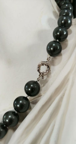 NEW - LARGE BLACK SOUTH SEA SEASHELL PEARL NECKLACE - VERY CLASSIC