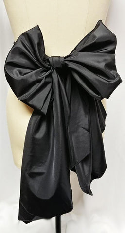 VINTAGE HUGE BLACK TAFFETA WRAP AROUND BELT WITH 4-1/2 FEET TIES