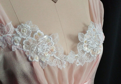 GORGEOUS VINTAGE BRIDAL BLANCHE LACE APPLIQUES, PEARLS & SEQUINS NIGHTGOWN IN PARISIAN PINK