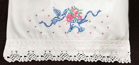 SO ROMANTIC - VINTAGE HAND CROCHETED & EMBROIDERED BLUE BIRDS & BOUQUETS OF FLOWERS SCALLOPED PILLOW CASES - 1 PAIR - COTTAGE LOOK - NEW OLD STOCK NEVER USED