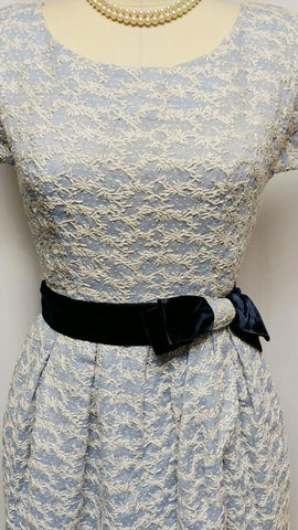 VINTAGE BLUE WITH WHITE EMBROIDEREY BELL SKIRT DRESS WITH METAL ZIPPER