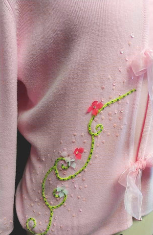 BEAUTIFUL VINTAGE BOBBIE BELL PINK SWEATER ADORNED WITH 3-D FLOWERS, SEQUINS & BEADS