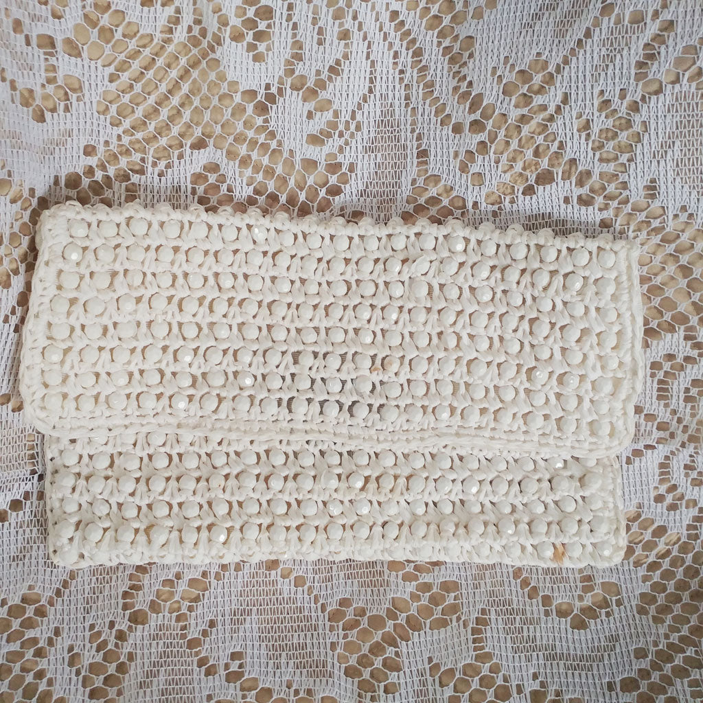 VINTAGE BROADWAY ITALIAN MADE RECTANGLE WHITE STRAW RAFFIA BEADED CLUTCH PURSE - JUST ADORABLE!