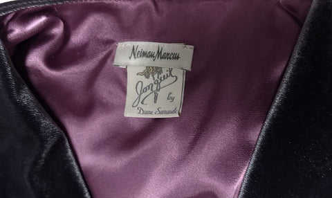 VINTAGE OLD HOLLYWOOD GLAMOUR JONQUIL BY DIANE SAMANDI & NEIMAN MARCUS CHARCOAL VELOUR & SUGAR PLUM SATINY ROBE DRESSING GOWN