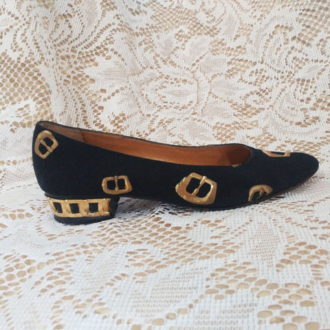 VINTAGE CUTE & UNIQUE CASADEI FLATS WITH GOLD BUCKLES & GOLD METAL CHAIN TRIM - MADE IN ITALY