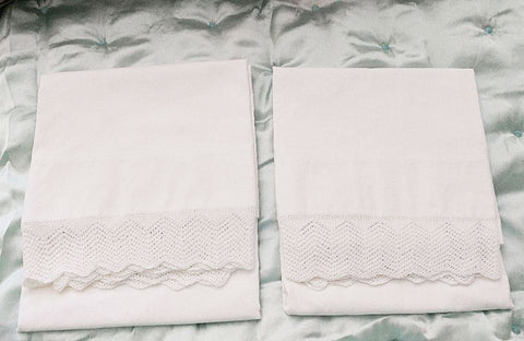 EXQUISITE VINTAGE HEIRLOOM CROCHETED BY HAND LACE CHEVRONS TRIMMED PILLOW CASES - 1 PAIR