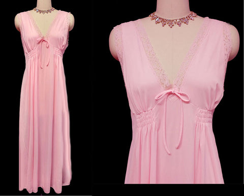 VINTAGE CHIC LINGERIE LACE NIGHTGOWN IN ROSEBUD