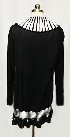 NEW -STRIKING BLACK & WHITE PLEATED LONG SWEATER CARDIGAN / SWEATER COAT PIANO KEYS SWEATER