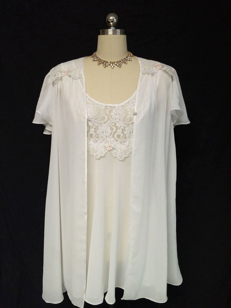 CINEMA ETOILE BRIDAL TROUSSEAU PEIGNOIR & NIGHTGOWN SET ADORNED WITH ROSETTES, PEARLS & LACE