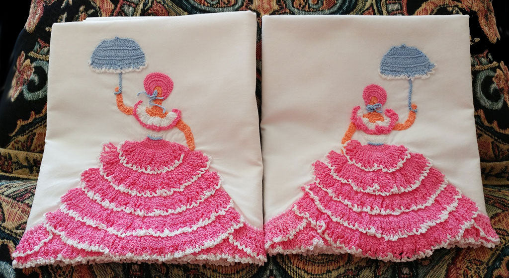 GORGEOUS VINTAGE HEIRLOOM CROCHETED BY HAND FROM 1949 PATTERN CRINOLINE LADY CAMEO PILLOW CASES - 1 PAIR