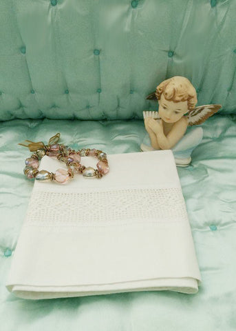 BEAUTIFUL VINTAGE HEIRLOOM CROCHETED BY HAND INSERTED BAND OF LACE PILLOW CASE - 1 INDIVIDUAL PILLOW CASE