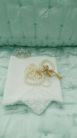 EXQUISITE VINTAGE HEIRLOOM CROCHETED BY HAND LACE SCALLOPED DIAMONDS PILLOW CASE - 1 INDIVIDUAL PILLOW CASE