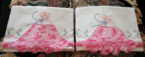 GORGEOUS VINTAGE HEIRLOOM CROCHETED & EMBROIDERED BY HAND SOUTHERN BELLE PILLOW CASES IN DESIRABLE PINK SHADES - 1 PAIR - RARELY USED