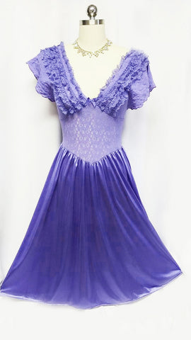 SOLD - VINTAGE CINEMA ETOILE SPANDEX & LACE BODICE WITH RUFFLES NIGHTGOWN IN GORGEOUS SHADE OF SPRING VIOLET