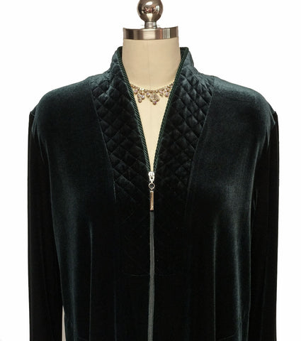 NEW - DIAMOND TEA LUXURIOUS ZIP UP FRONT VELOUR ROBE IN BAYBERRY - SIZE MEDIUM - ONLY 1 IN THIS SIZE