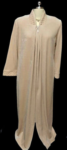 NEW - DIAMOND TEA LUXURIOUS ZIP UP FRONT COTTON VELOUR ROBE IN LATTE - SIZE SMALL - ONLY 1 IN THIS SIZE & COLOR - WOULD MAKE A BEAUTIFUL GIFT!