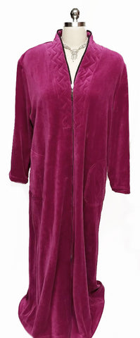 NEW - DIAMOND TEA LUXURIOUS ZIP UP FRONT COTTON BLEND VELOUR ROBE IN RASPBERRY - SIZE LARGE -  ONLY 1 IN STOCK IN THIS SIZE & COLOR - WOULD MAKE A WONDERFUL CHRISTMAS GIFT
