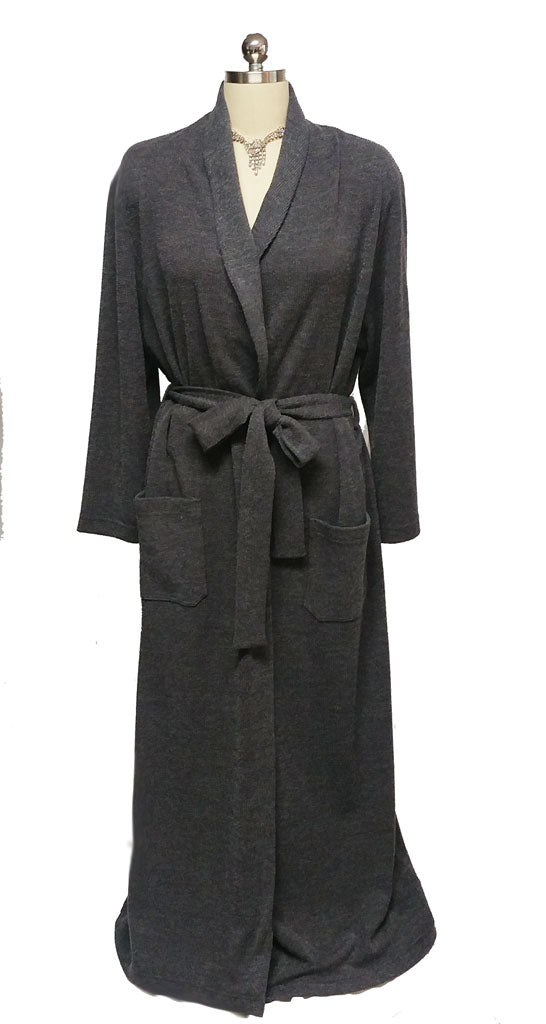 NEW - DIAMOND TEA LUXURIOUS WRAP-STYLE SWEATER ROBE IN OXFORD GRAY - SIZE MEDIUM - ONLY 1 IN STOCK - WOULD MAKE A WONDERFUL GIFT!