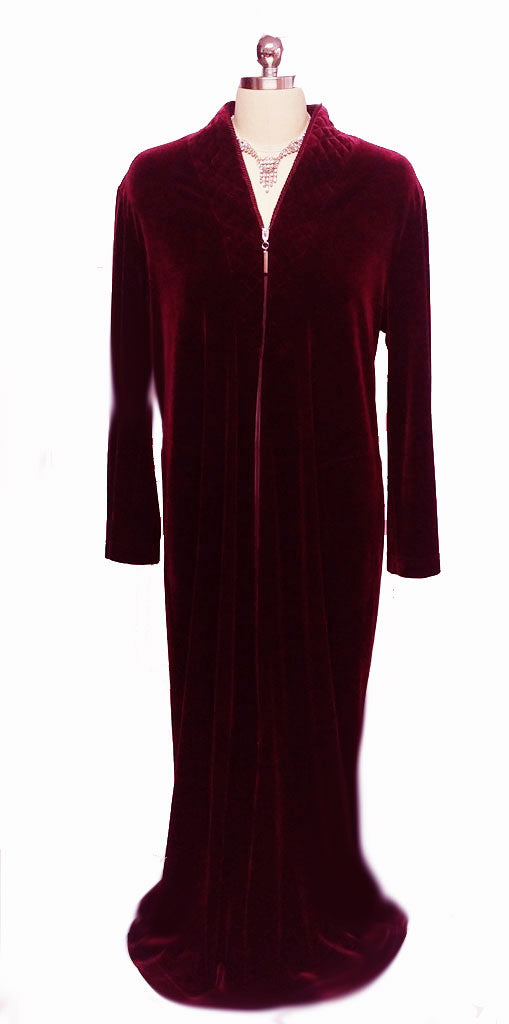 NEW - DIAMOND TEA LUXURIOUS ZIP UP FRONT VELOUR ROBE IN CLARET - ONLY 1 SIZE MEDIUM IN THIS COLOR