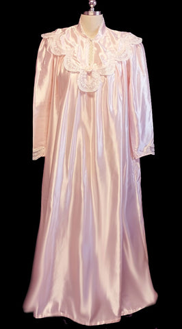 VINTAGE VICTORIAN LOOK DONNA RICHARD SATIN BRIDAL NIGHTGOWN EMBELLISHED WITH SHEER EMBROIDERED LACE & A FABRIC ROSE IN POWDER PUFF PINK